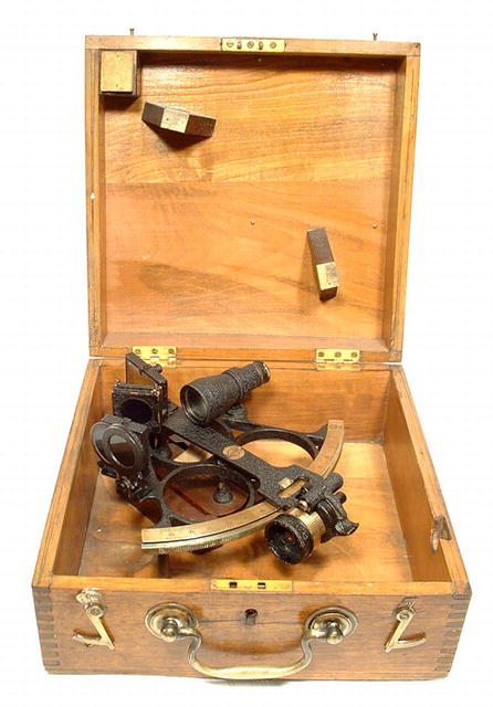 ANTIQUE ENGLISH BRASS SEXTANT WITH CASE