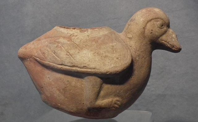 Antique Pr-Columbian Moche Terracotta Duck Effigy Vessel
