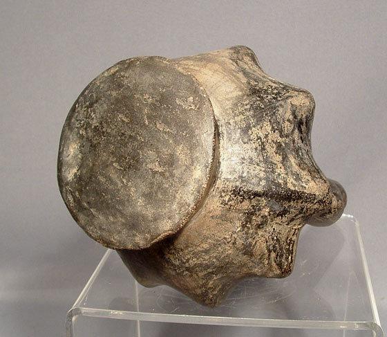 Ancient Pre Columbian Chimu Vessel, 850 -1450 AD