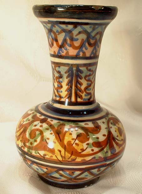 ANTIQUE EUROPEAN MAJOLICA VASE, 18th-19th