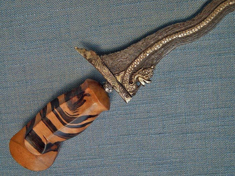 Antique Keris 19th-20th Century Indonesian Balinese Sword Dagger Naga Kris
