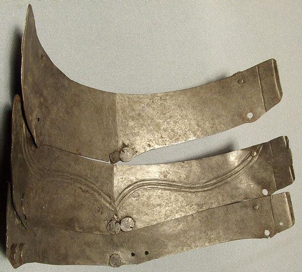 SOLD Antique Armour Armor Spaulder 16th century