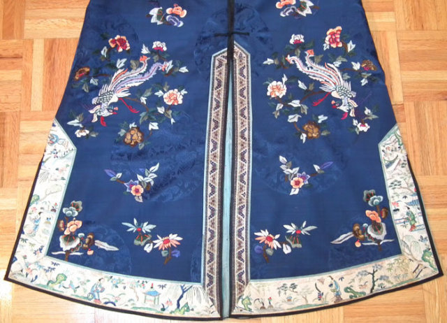 Antique Chinese Qing Dynasty Embroidered Robe