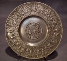 Antique 17th century Nürnberg Zinn Pewter Relief Plate Kaisertel