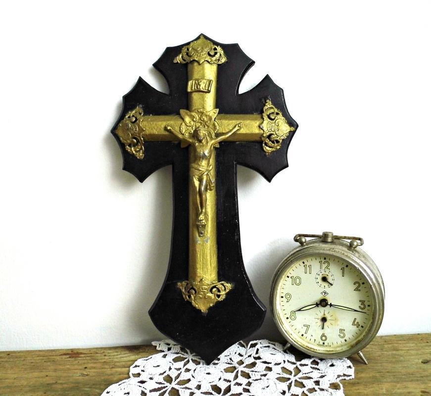 Antique Wall Cross Wood Hanging Crucifix Jesus Christ Vintage Ornate Black Gold Cross Catholic Religious Christian Decor Home Chapel Altar