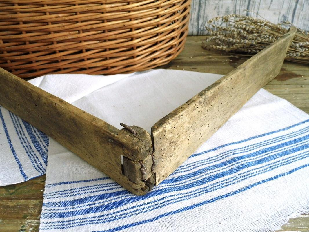 Antique French Wash Tongs Wood Carved Clothes Hand Wash Laundry Pincers Large Primitive Rustic Farmhouse Decor Laundry Tool Room Photo Prop