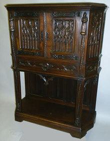 Gothic Cabinet (Dressoir)