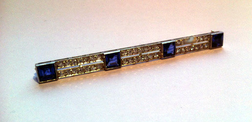 Art Deco Sapphire Diamond Platinum Bar Brooch, C.1920.