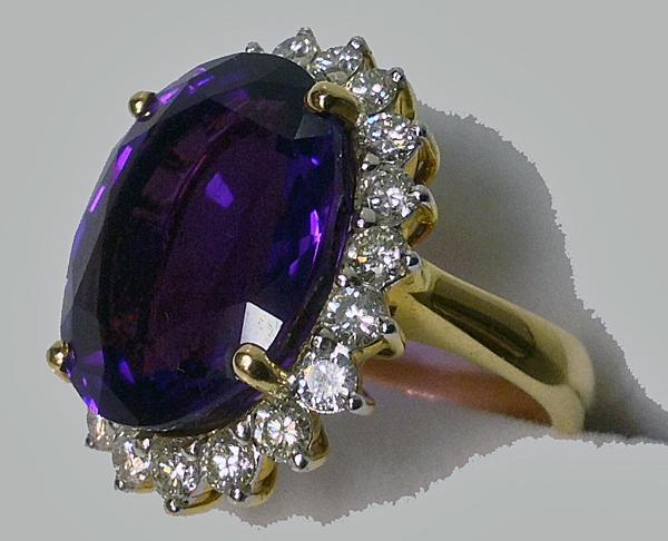 Amethyst Diamond Ring 18K.