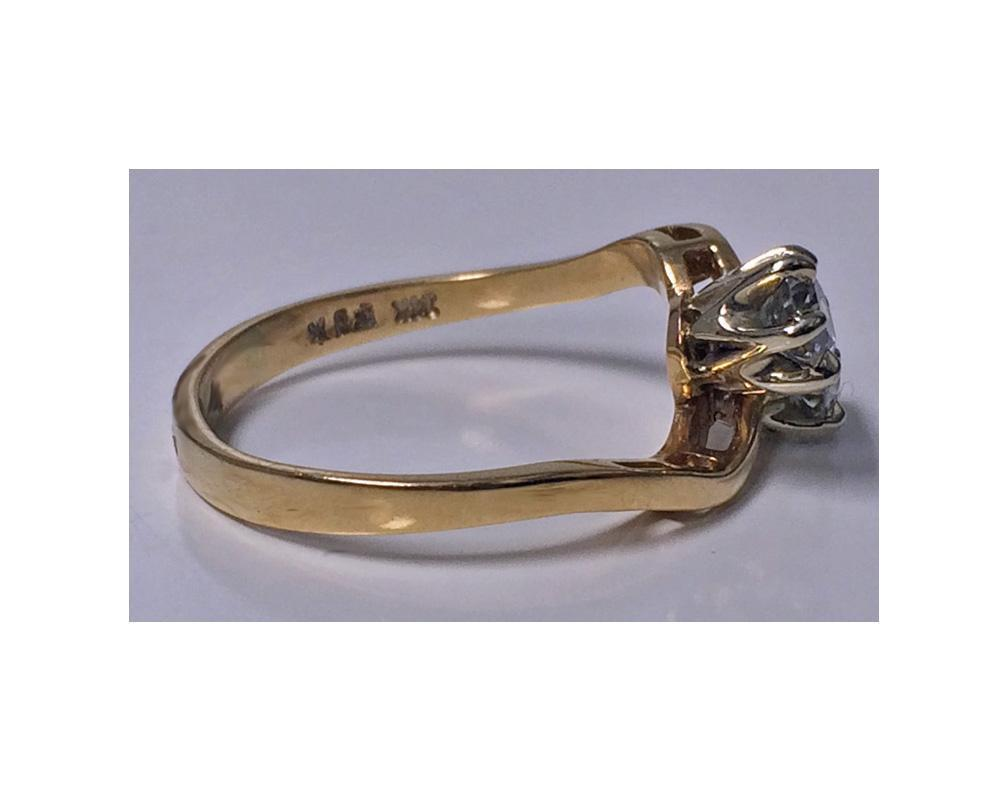Antique Diamond 14K twist design Ring, C.1920.