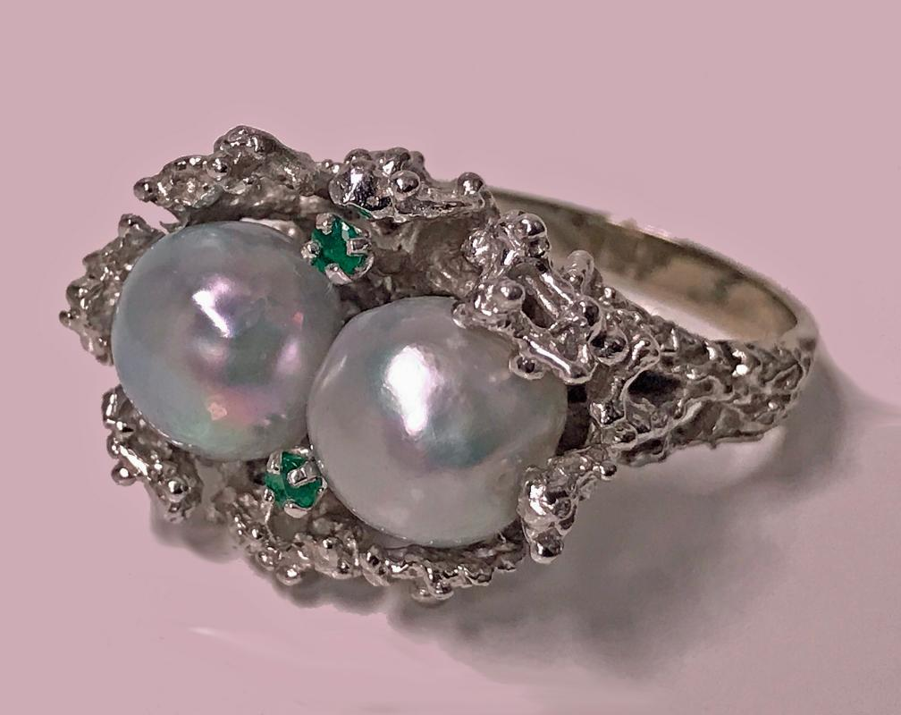 Modern Abstract Nugget 14K white Gold, Pearl and Emerald Ring, C.1970