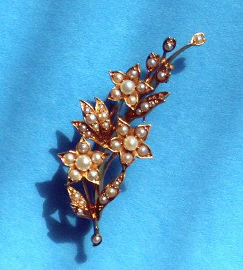 Antique Gold Pearl  Flower Brooch,18K C.1890.