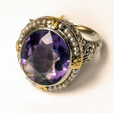 Ladies 18K Amethyst and Pearl Ring, C.1930.