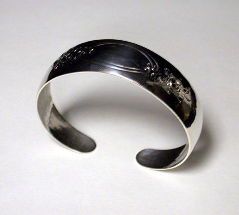 Randahl hand made hammered Sterling Bangle, Chicago C.1930.