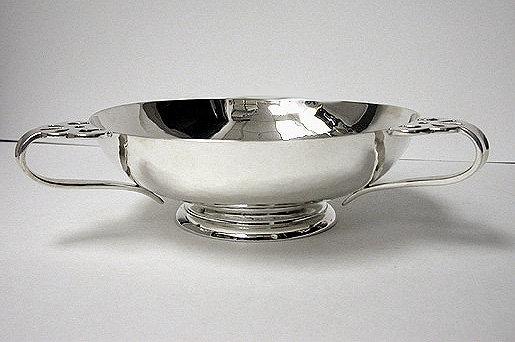 Arts Crafts Sterling Silver hammered Bowl, London 1901 Charles Edwards.