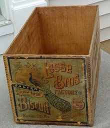LOOSE BROS. SARATOGA FLAKES WOODEN CRATE