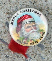 MERRY CHRISTMAS HAPPY NEW YEAR SANTA CLAUS CELLULOID PINBACK BUTTON