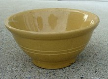 SMALL YELLOWWARE(YELLOW WARE) BOWL-2 STRIPES