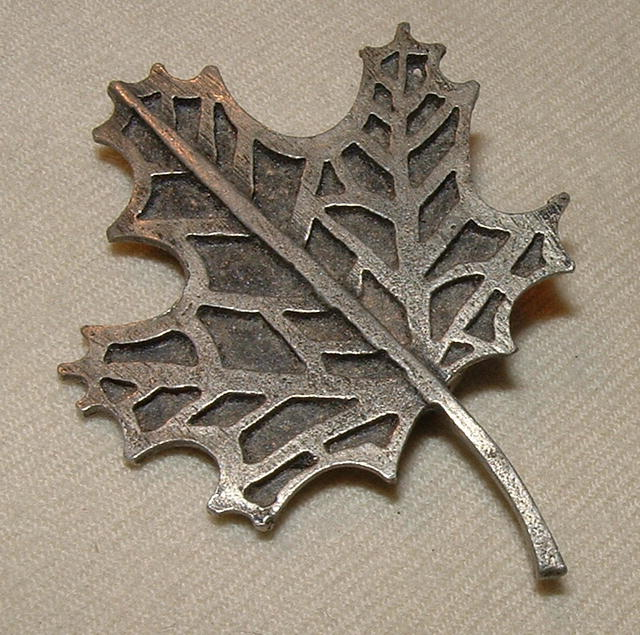 1978 Metzke Pewter Maple Leaf Brooch
