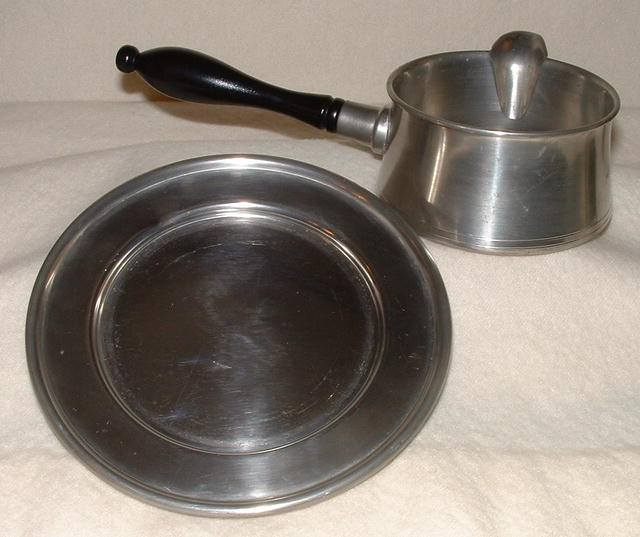 Vintage Woodbury Pewter Gravy Server / Plate