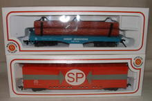 Vintage Bachmann HO Gauge Great Northern Log Car & SP Freight Car
