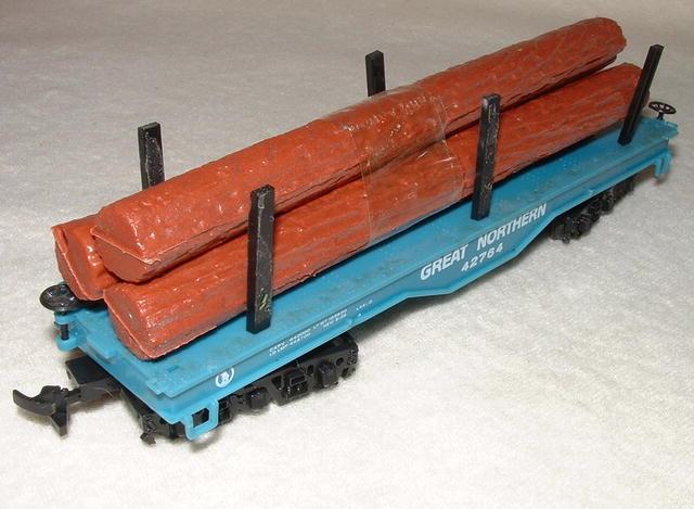 Vintage Bachmann HO Gauge Great Northern Log Car & SP Freight Car