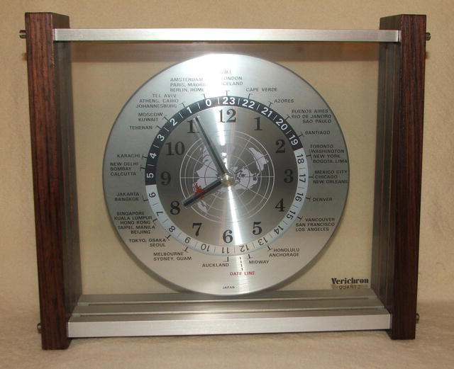 Vintage Verichron Quartz World Time Zone Clock