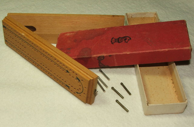 Vintage / Antique Drueke Folding Travel Cribbage Board