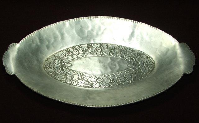 Vintage Everlast Flower Design Oval Bread Tray
