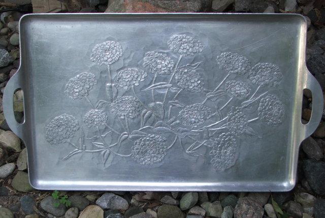 Large Vintage Wendell August Forge Aluminum Chrysanthemum Tray