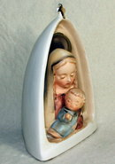 Vintage Napco Madonna and Child Figurine CR 32576