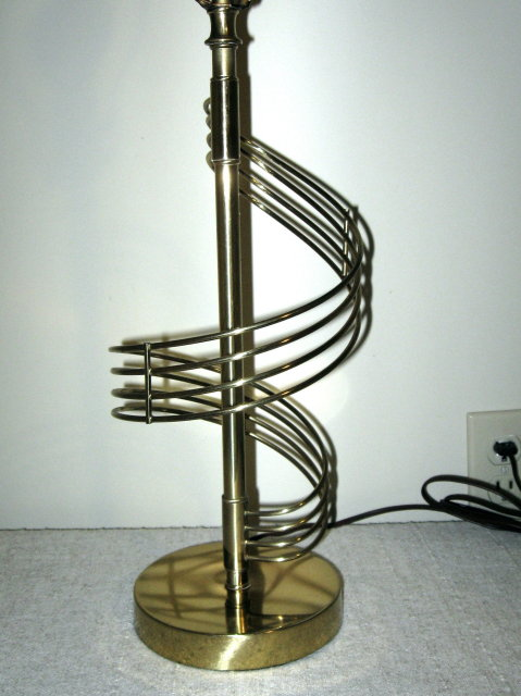 Mid-Century Spiral Brass Table Lamp