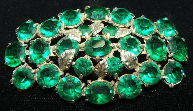 Vintage / Antique Emerald Green Glass Rhinestone Brooch