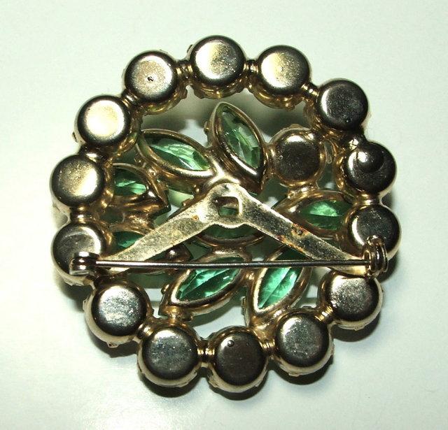 Pretty Vintage Peridot Green and Aurora Borealis Rhinestone Brooch / Pin