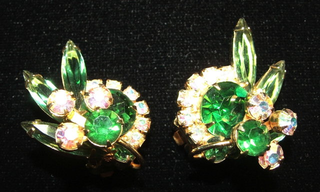 Vintage Green Glass & Aurora Borealis Rhinestone Floral Spray Broach and Earrings