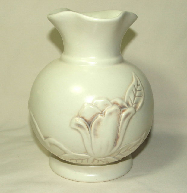 1940's Red Wing Pottery Magnolia Vase