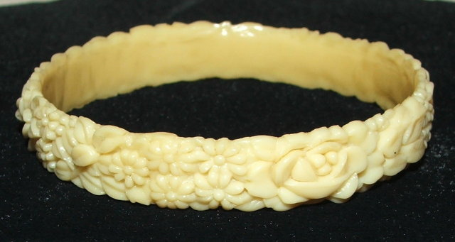 Vintage / Antique Celluloid Bangle Bracelet