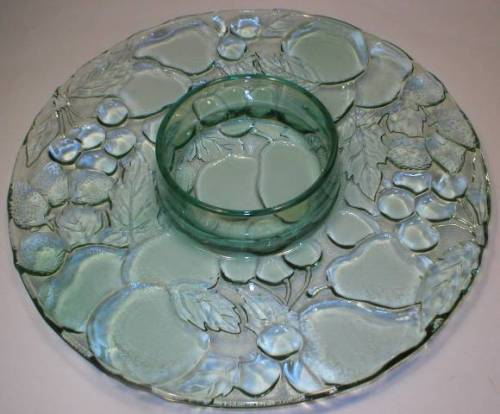 Pretty Blue Indiana Glass Fruit Pattern Chip & Dip