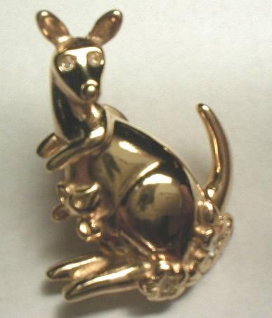 Avon Goldtone Kangaroo Lapel Pin