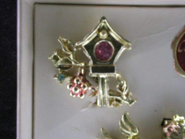 Sweet Pair of Vintage Bird Scatter Pins