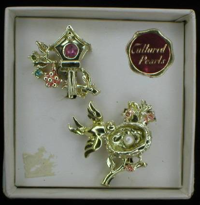 Sweet Pair of Vintage Bird Scatter Pins