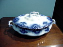 FLOW BLUE COVERED DISH