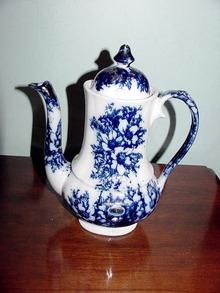 FLOW BLUE COFFEE POT
