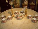 WORCESTER PORCELAIN POLYCHROME AND GILT IMARI PATTERN TEA SERVICE