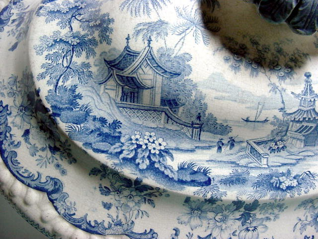 Staffordshire Blue Tureen Cover c1820.