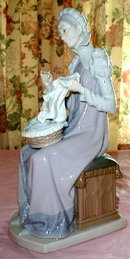 LLADRO Trousseau Embroiderer #5126 - Woman