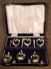 SHEFFIELD Trifle SPOONS Silverplate -SET of 6-