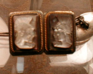 Cameo CUFFlinks SET Silver MOP - ANTIQUE -