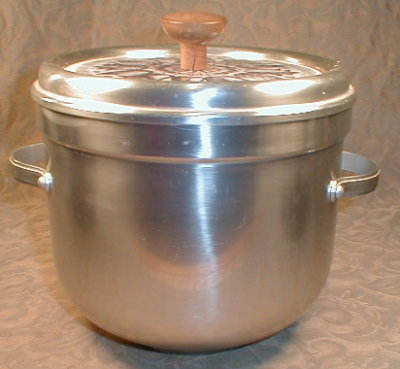 BUENILUM Aluminum ICE Bucket TILE Top VINTAGE -