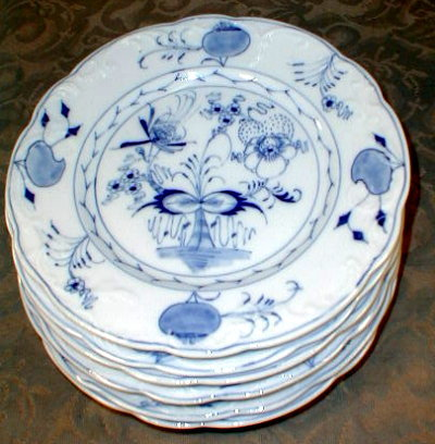 Blue ONION Hand PAINTED Plates (6) ~ANTIQUE~